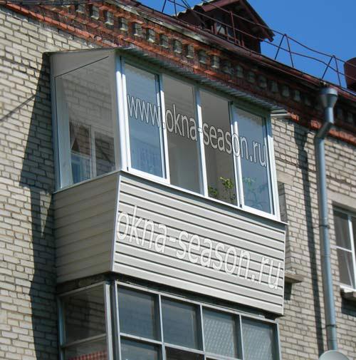 Остекление балконов под крышу